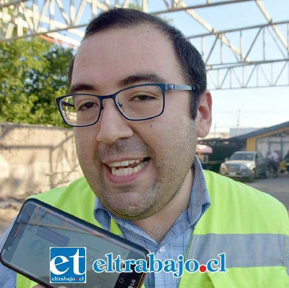 Encargado de relaciones públicas de Bomberos Santa María, Diego Arancibia.