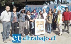 Los integrantes de 'Putaendo Resiste' en la Plaza Cívica de San Felipe.