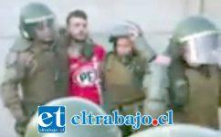 Simón González fue detenido en medio de un complejo procedimiento policial, acusado de golpear a una carabinero, quedando en libertad al no poder acreditar el supuesto ilícito.