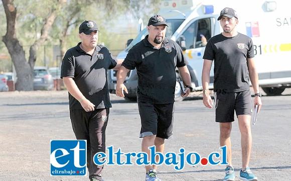 El cuerpo técnico de Trasandino que encabeza Christian Muñoz (a la izquierda) se estrenó con un triunfo.