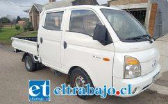Una camioneta similar a la de la imagen fue robada a Jorge Labarca este domingo al momento de concurrir a la feria de las pulgas en avenida Diego de Almagro.