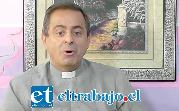 El sacerdote Mauricio Cruz Lolas fue suspendido como párroco de Santa Rosa, aunque continúa ejerciendo todos sus derechos sacerdotales.
