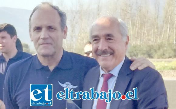 El alcalde Patricio Freire recibió el cariño por parte del club aéreo de nuestra comuna.
