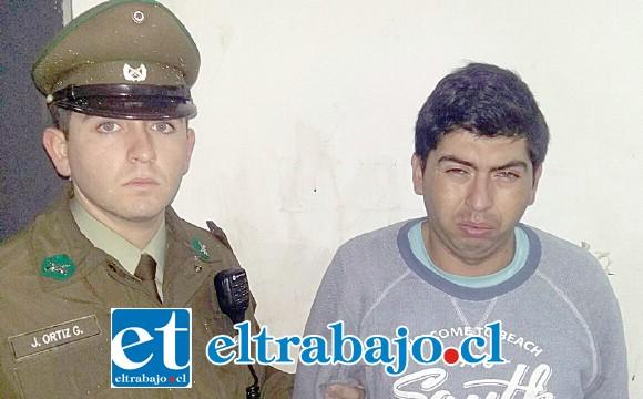 El delincuente habitual identificado como Ángel Altamirano Viveros, tras ser formalizado en tribunales quedó en prisión preventiva mientras la Fiscalía investiga el caso.