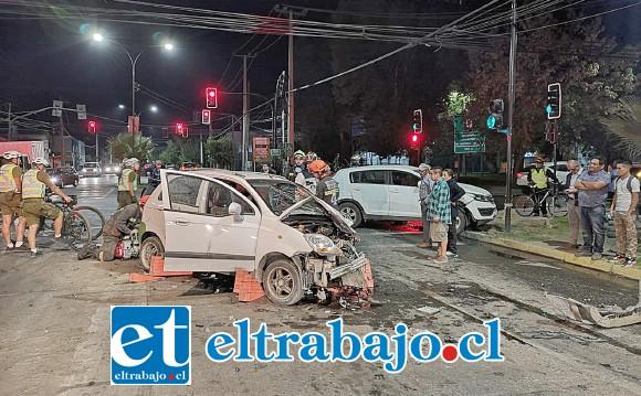 Dos personas resultaron heridas en una colisión ocurrida en Maipú esquina O´Higgins en San Felipe, aparentemente producida por una falla en la sincronización de los semáforos.