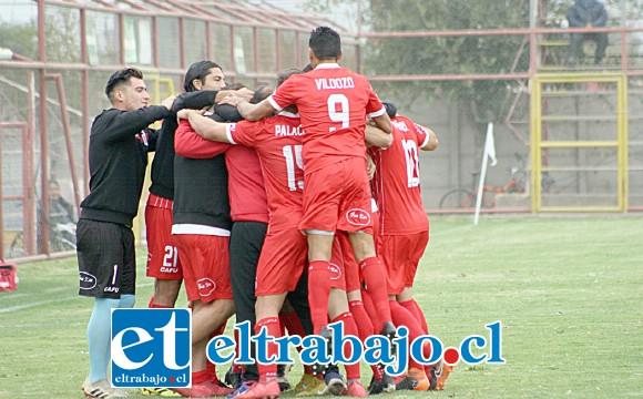 Ocho partidos en el torneo oficial y uno en la Copa Chile debieron pasar para que Unión San Felipe pudiera festejar por vez primera esta temporada.