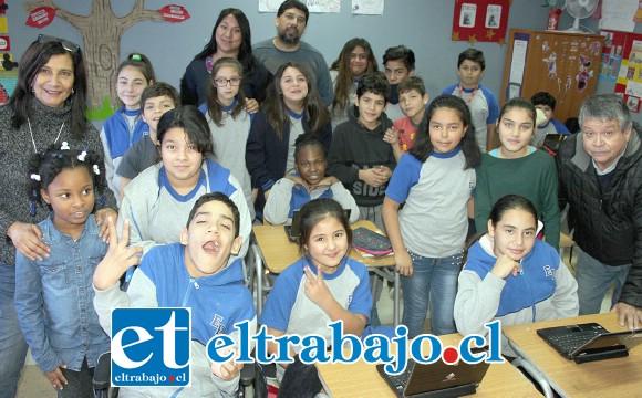 FELIZ CUMPLEAÑOS.- Estos pequeñitos posan para las cámaras de Diario El Trabajo, que ayer visitaron las aulas de su escuela.