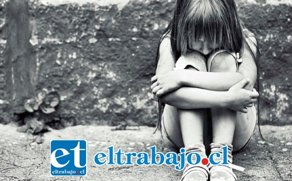 La pequeña de 4 años de edad habría sido abusada sexualmente en el mes de agosto de 2017 en la localidad de Reinoso en Catemu. (Foto Referencial).