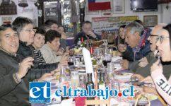 BUEN APETITO.- De buena comida y gran camaradería disfrutaron los profesionales de Sedent San Felipe celebrando el Día Internacional del Trabajador.