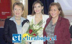 La directora del Servicio de Salud Aconcagua, Susan Porras (al centro), junto a la Dra. Iris Boisier (izquierda) y la consejera regional Edith Quiroz.