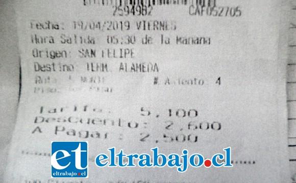Acá está el pasaje de San Felipe a Santiago para el viernes 19 de abril a las 05:30 horas, viaje que no se realizó y por lo cual perdió unos 30 mil pesos en pasajes al sur.