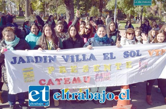 CATEMU PRESENTE.- Parvularias de Jardín Villa El Sol, de Catemu, también marcharon en esta primera demostración de Fuerzas Vivas en San Felipe.