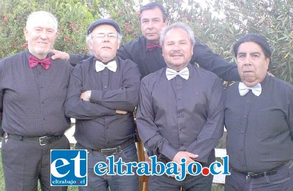 THE STRIKERS.- Ellos son: Pedro Iturrieta en la guitarra; Pedro Carreño es el bajista estelar; el baterista es Julio Aranda; Carlos Sotomayor en el teclado, y José Plaza en la guitarra.