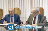 La mañana de ayer el alcalde Patricio Freire y el rector de la Universidad de Valparaíso, Aldo Valle, firmaron el convenio que permite la ejecución del proyecto 'Universidad Abierta'.