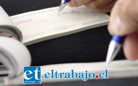 De acuerdo a la investigación de la Fiscalía de San Felipe, el documento fue periciado estableciéndose su falsedad. (FOTO REFERENCIAL:JAVIER SALVO/AGENCIAUNO)