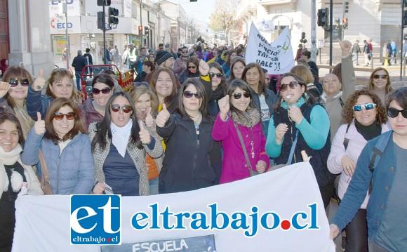 SIGUEN LAS PROTESTAS.- Cientos de profesores salieron ayer jueves a protestar por sus cinco demandas. Durante toda la semana varias fueron las manifestaciones en San Felipe.