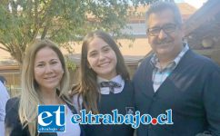 Eugenio Cornejo Correa junto a su esposa Patricia Campos Fabres y su hija Florencia.