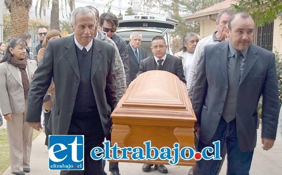 SE NOS ADELANTÓ.- Las exequias se realizaron en la Parroquia Espíritu Santo la tarde del sábado y sus restos mortales serán cremados esta semana en el Cementerio Católico de Santiago.