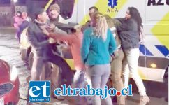 Los protagonistas del accidente se trenzaron a golpes en la esquina de las avenidas Maipú con O'Higgins en San Felipe.