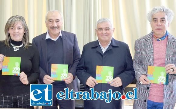 Los concejales Patricia Boffa, Juan Carlos Sabaj, Dante Rodríguez y el alcalde Patricio Freire, hicieron el anuncio oficial.
