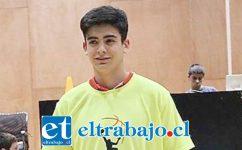 Manuel Flores es jugador del club San Felipe Basket.