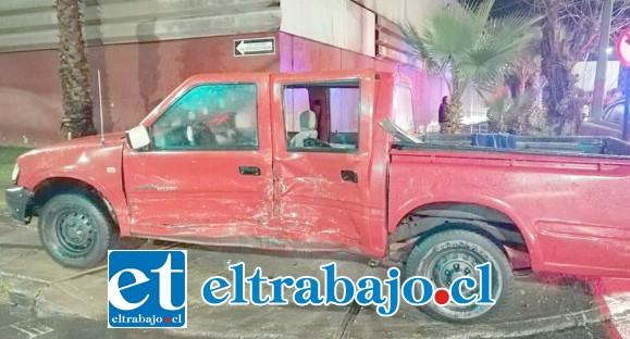 En este estado quedó la camioneta tras el accidente de tránsito.