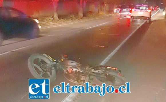 El adolescente conducía esta motocicleta por calle Tocornal El Pino en la comuna de Santa María.