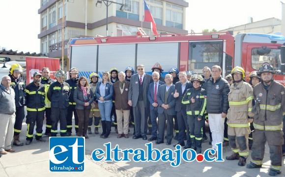 El lanzamiento se realizó la mañana de ayer en la plaza cívica, contando con la presencia además de voluntarios de Bomberos y dirigentes vecinales.