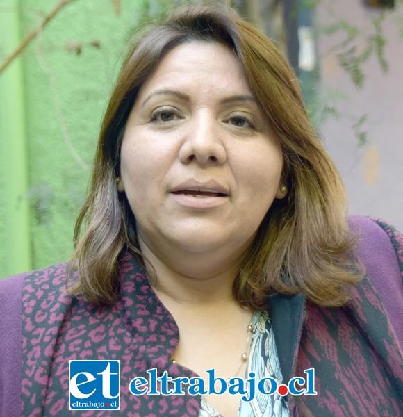 Ximena Baquedano, directora de la escuela anfitriona.