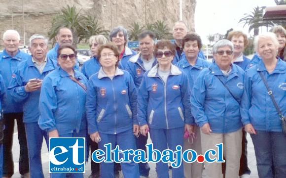 VIAJEROS.- En estos ocho años estos sanfelipeños han viajado a muchas partes de la región, aquí los vemos en El Morro de Arica, en una de sus giras.