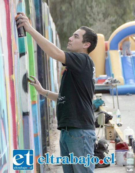 SIEMPRE EL 'WASA'.- Otro que hizo de las suyas es 'Wasa', un experimentado pintor de grafiti de Catemu, este artista dejó su huella en el Liceo Corina Urbina de San Felipe.