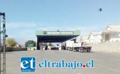 Actual planta de revisión técnica ubicada en Avenida Sargento Aldea, la cual deberá cerrar posiblemente antes de 30 días.