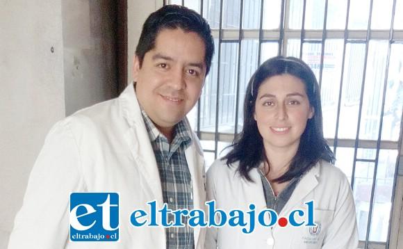 Jorge Tatini y Antonella Osorio, médicos generales de zona del Cesfam San Felipe El Real.