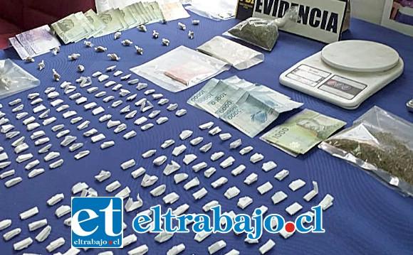 La Brigada Microtráfico Cero de la PDI incautó diversas cantidades de pasta base de cocaína, marihuana y dinero en efectivos desde diez viviendas ubicadas en Villa Los Aromos de Santa María.