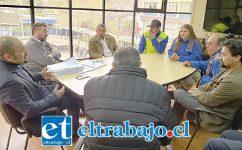 Representantes de los trabajadores de la empresa de parquímetros se reunieron la mañana de ayer con el alcalde (s) Patricio González.