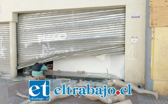 Tienda Bonis ubicada en Calle Salinas de San Felipe, fue saqueada por desconocidos la tarde del lunes.