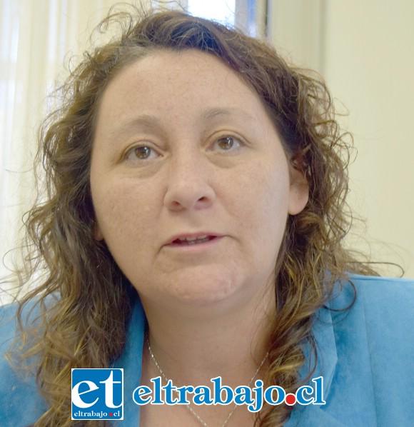 Tesorera biprovincial de Tesorería General de la República, Cecilia Soto.