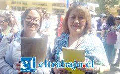 Mónica Vásquez, a la derecha, acompañada de otra dirigente de la organización.