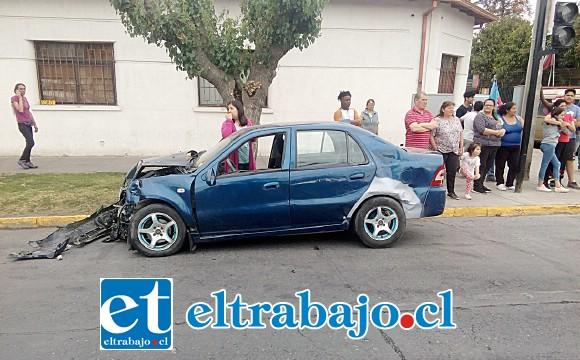El automóvil azul se desplazaba por Santo Domingo, según reconoció escuetamente su conductor.