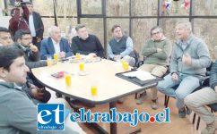 Cinco de los diez alcaldes del valle participaron en la reunión con la Junta de Vigilancia del Río Aconcagua, la que fue convocada por el alcalde de San Felipe, Patricio Freire.