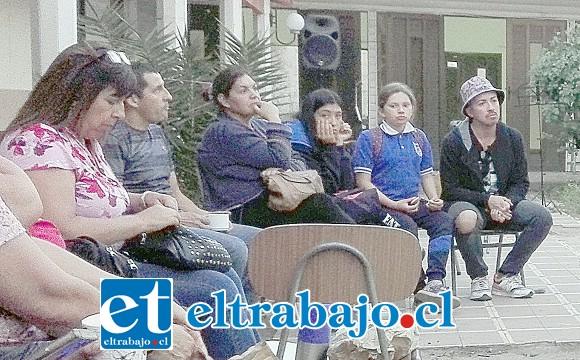 Profesores y estudiantes de varias escuelas municipalizadas de San Felipe, participaron en este Tercer Cabildo convocado por el Colegio de Profesores de nuestra comuna.