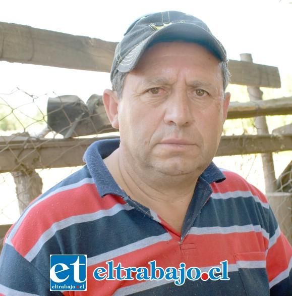 Héctor Santander Calderón, hijo del dueño de los animales.