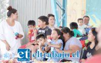 Sin duda fue un día especial para los niños y sus padres, quienes participaron alegremente de la actividad preparada por el servicio de Neonatología del Hospital San Camilo.