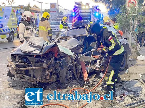 El automovilista resultó con lesiones y fracturas de carácter grave, siendo trasladado hasta la Unidad de Traumatología del Hospital San Juan de Dios de Los Andes.