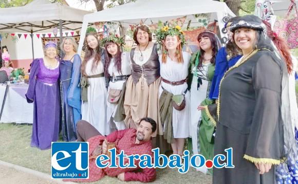 GRATIS PARA TODOS.- Ritmo, atuendo y música medieval hoy en el Roberto Barraza a partir de las 18:30 horas.