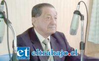 EN SU SALSA.- Así lucía nuestro querido amigo y connotado comunicador aconcagüino la última vez que visitó las cabinas de Radio Orolonco, en Santa María.
