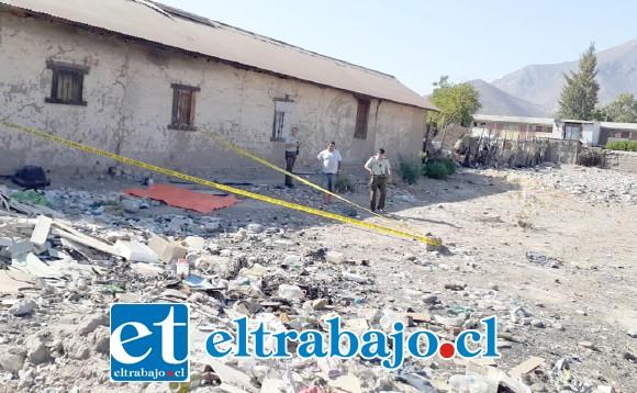 El sitio del suceso fue aislado por Carabineros a la espera de la llegada del Fiscal de turno.