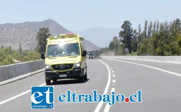 Personal del Samu concurrió al lugar del accidente para asistir a los lesionados.