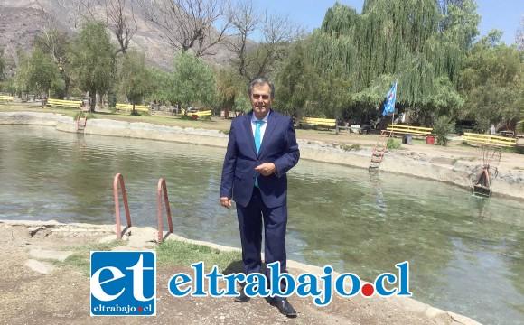 Concejal Christian Beals Campos en el balneario Andacollo.