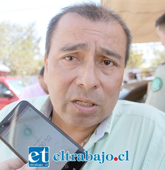 Secretario de Línea 8, Fernando Leones.